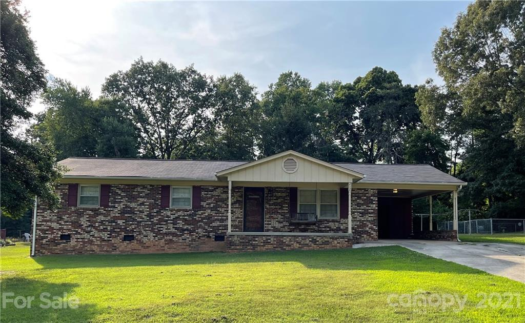 212 Shadowbrook Road, Mount Holly NC 28120