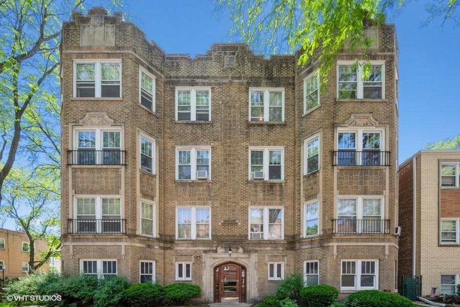 2703 W Estes Avenue Unit 3, Chicago IL 60645