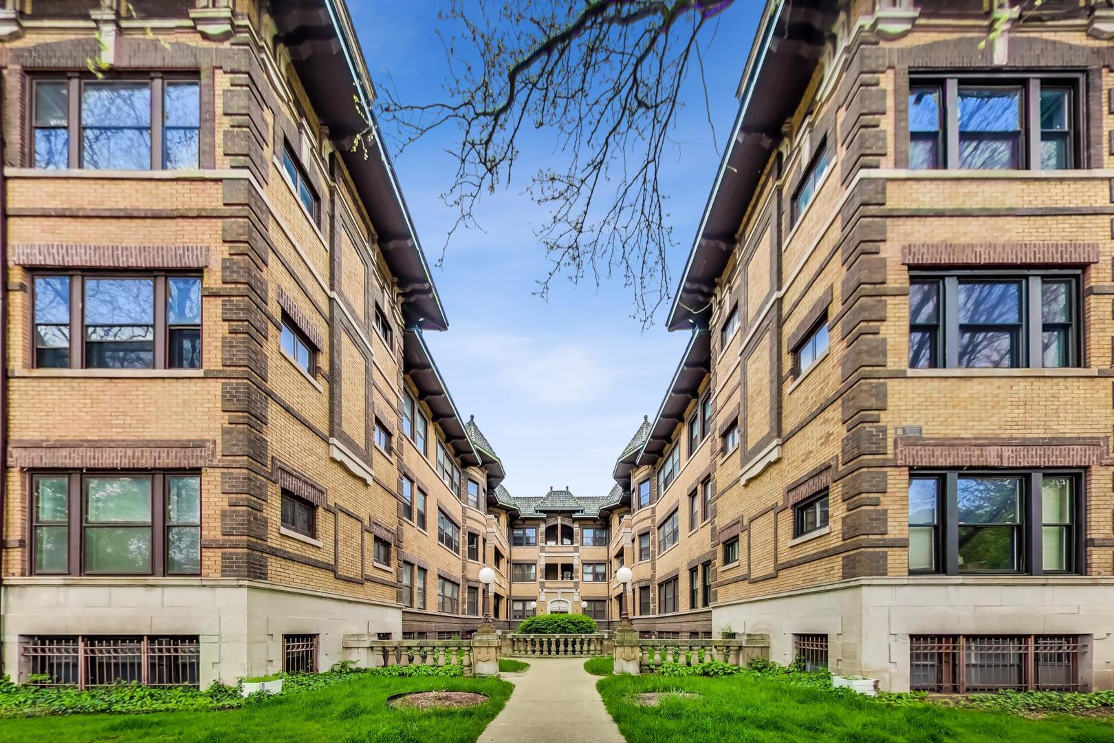 935 E Hyde Park Boulevard Unit 2, Chicago IL 60615