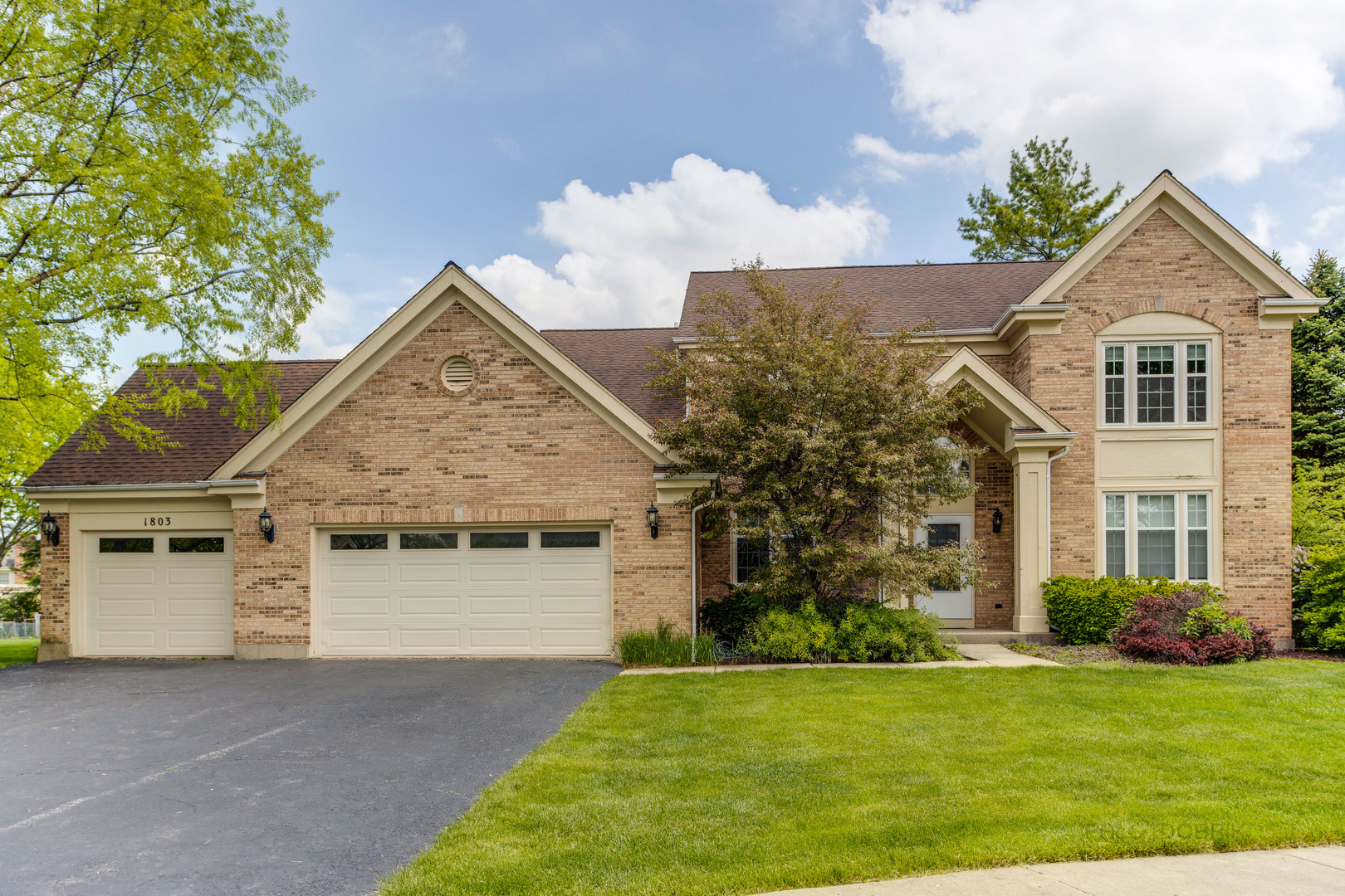 1803 Brandywyn Lane, Buffalo Grove IL 60089