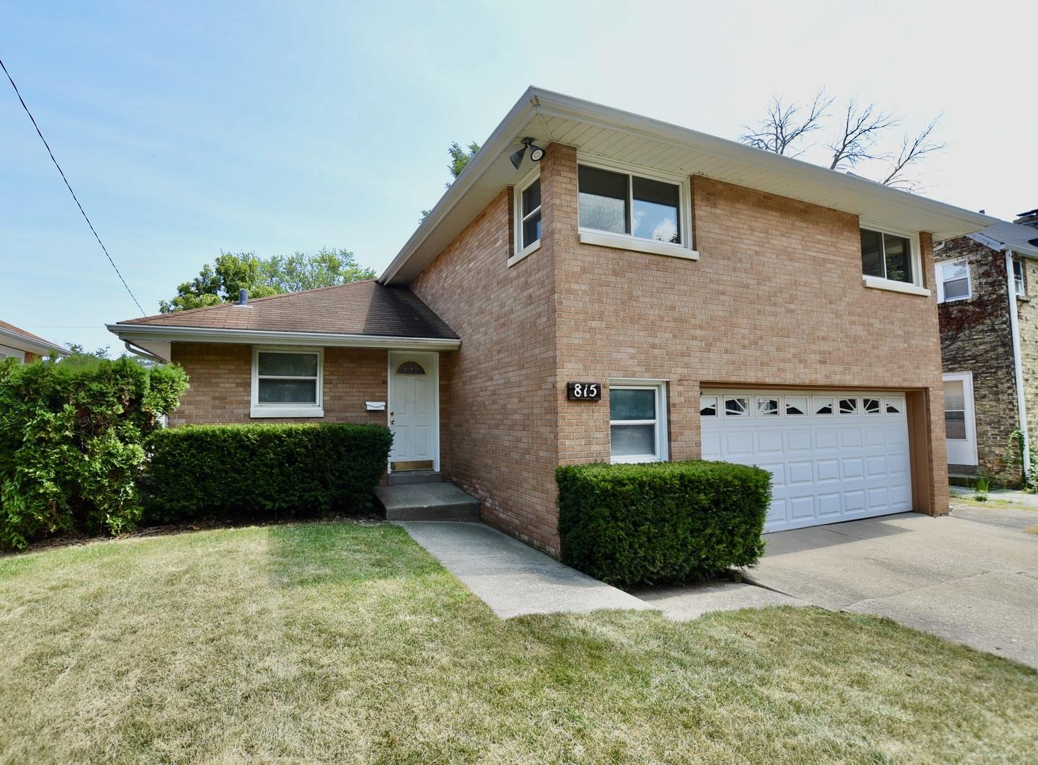 815 Glenwood Avenue, Waukegan IL 60087