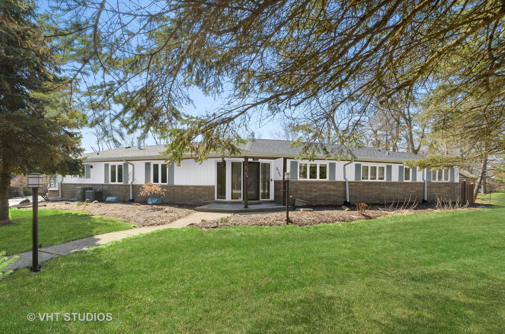2130 Old Willow Road, Northfield IL 60093