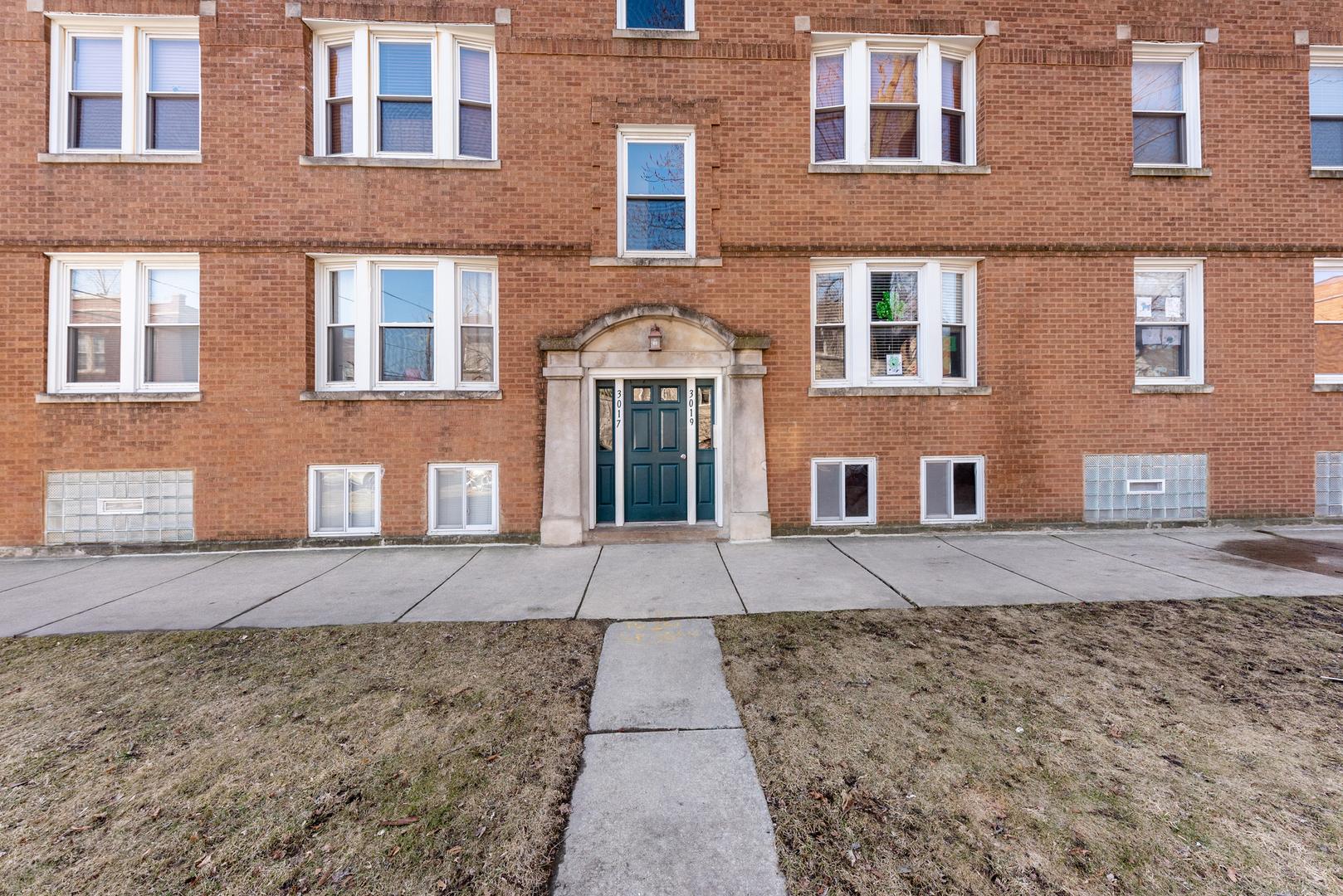 3019 W Cullom Avenue Unit 3, Chicago IL 60618