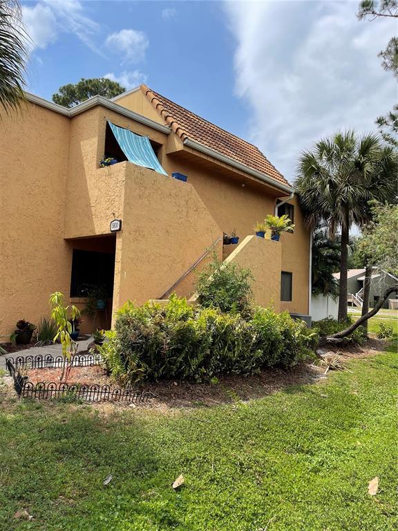 5830 WINDHOVER DR #830, Orlando FL 32819
