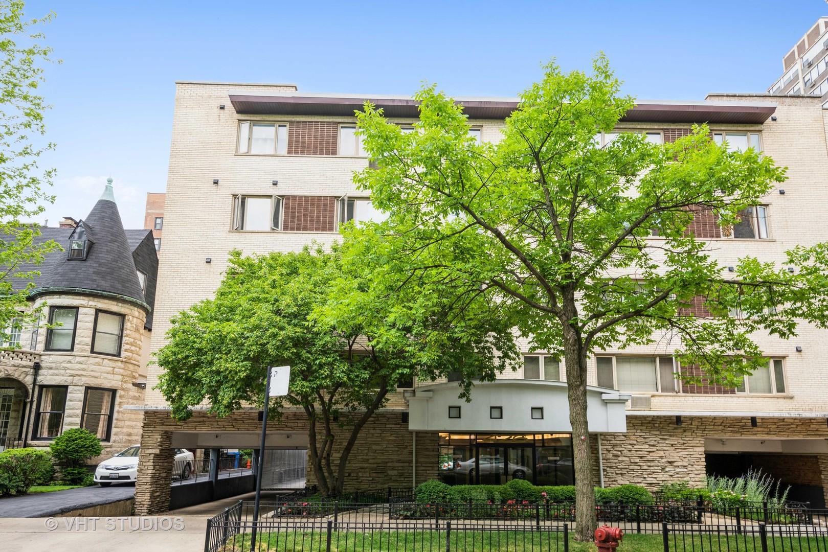 426 W Barry Avenue Unit 406, Chicago IL 60657
