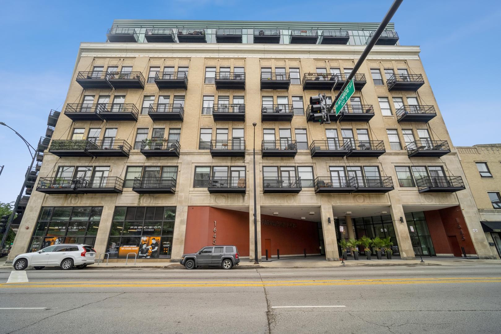 1645 W OGDEN Avenue Unit 718, Chicago IL 60607