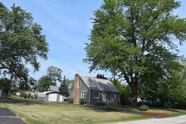 1704-1712 W York House Road, Waukegan IL 60087