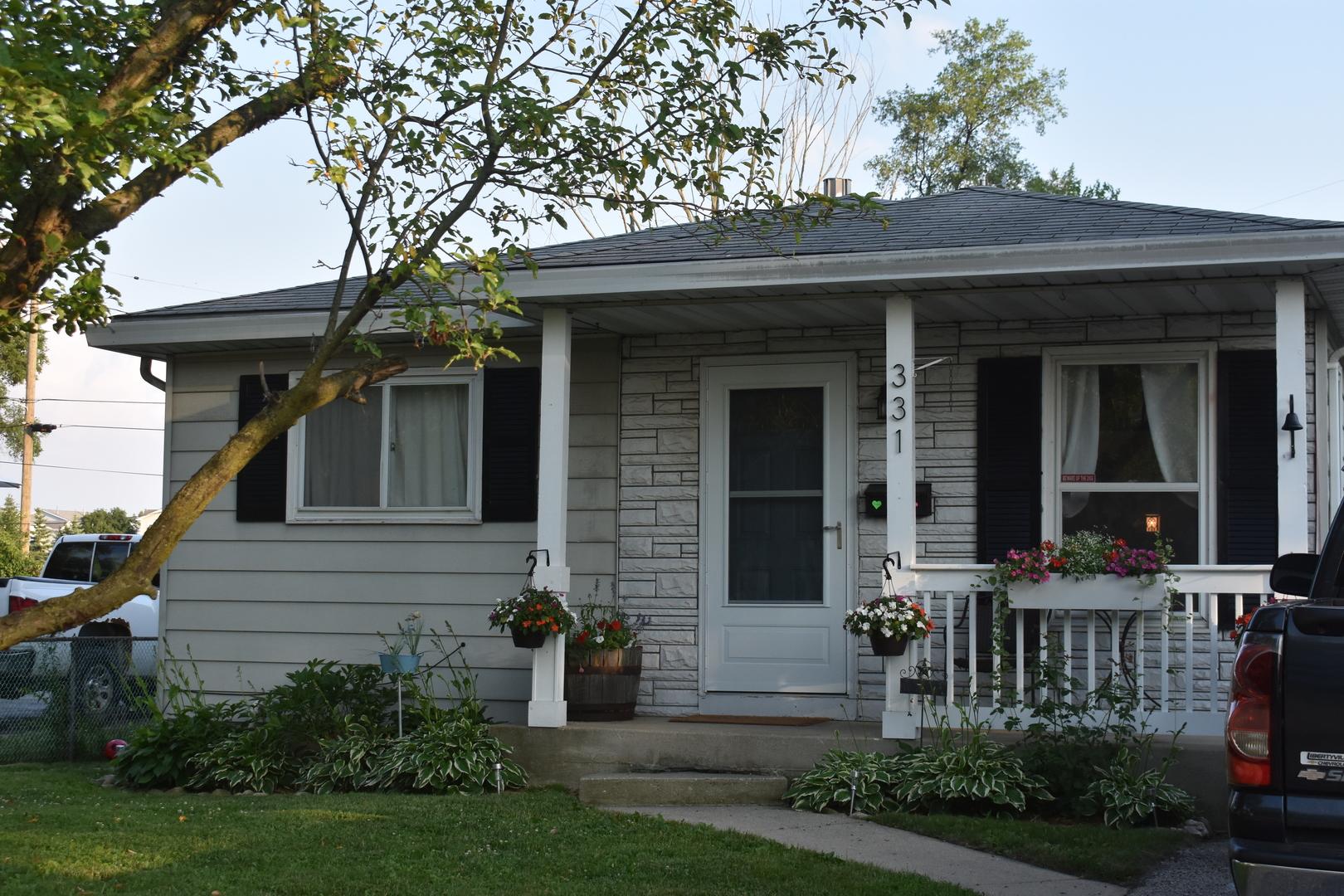 331 E Willow Drive, Round Lake Park IL 60073