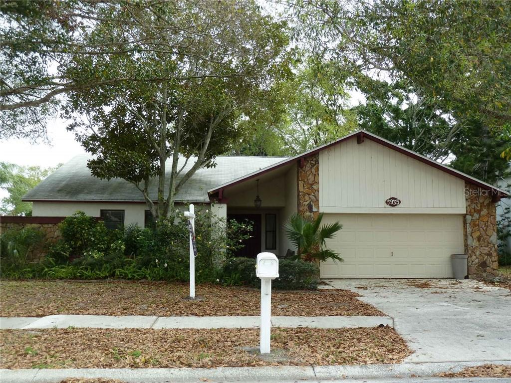 5935 BAY LAKE DR N, St Petersburg FL 33708